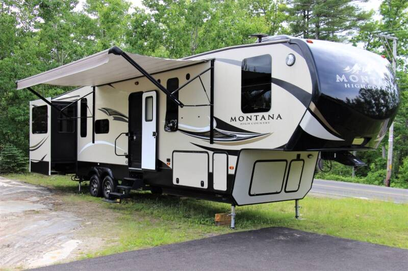 2018 Keystone Montana High Country 379RD for sale at Miers Motorsports in Hampstead NH