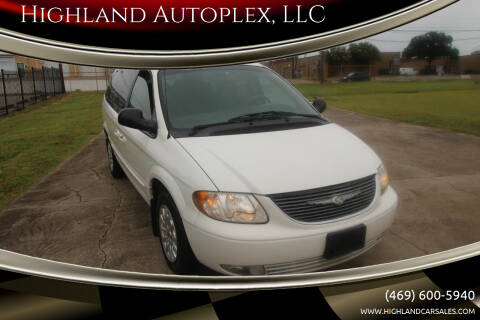 2002 Chrysler Town and Country for sale at Highland Autoplex, LLC in Dallas TX