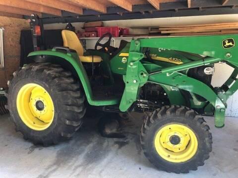 2014 John Deere 4320 Compact Utility Tractor
