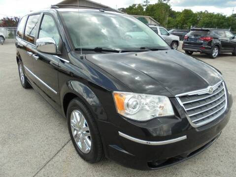 2009 Chrysler Town and Country for sale at PIONEER AUTO SALES LLC in Cleveland TN