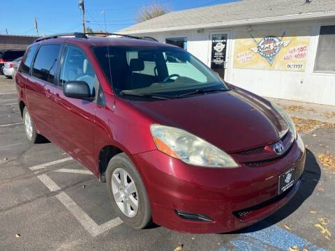 2006 Toyota Sienna for sale at Robert Judd Auto Sales in Washington UT