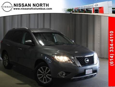 2016 Nissan Pathfinder for sale at Auto Center of Columbus in Columbus OH