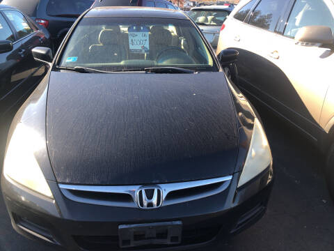 2006 Honda Accord for sale at Whiting Motors in Plainville CT