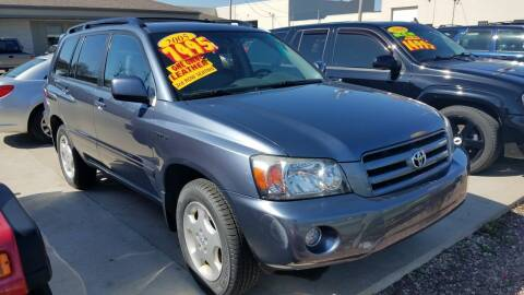 2005 Toyota Highlander for sale at Kenosha Auto Outlet LLC in Kenosha WI