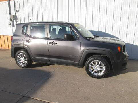 2017 Jeep Renegade for sale at Parkway Motors in Osage Beach MO