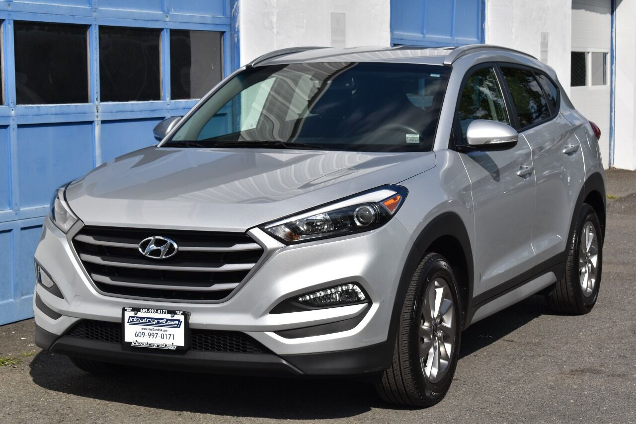 2017 Hyundai Tucson SE Plus AWD 4dr SUV