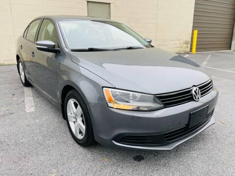2011 Volkswagen Jetta for sale at CROSSROADS AUTO SALES in West Chester PA
