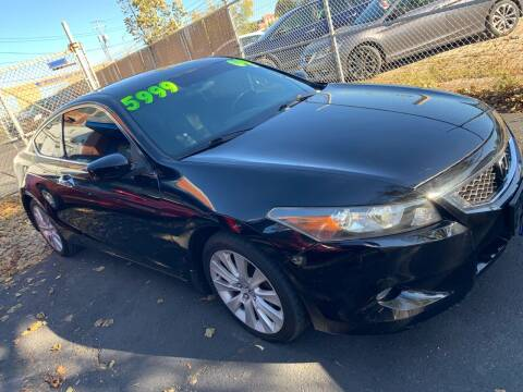 2009 Honda Accord for sale at Square Business Automotive in Milwaukee WI