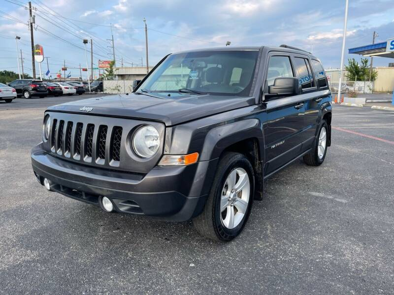 2016 Jeep Patriot for sale at SOLID MOTORS LLC in Garland TX