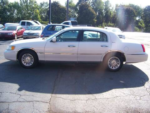 1999 Lincoln Town Car for sale at C and L Auto Sales Inc. in Decatur IL