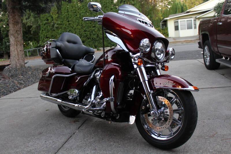 2017 Harley-Davidson FLHTKL for sale at J.K. Thomas Motor Cars in Spokane Valley WA