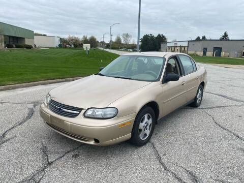2005 Chevrolet Classic for sale at JE Autoworks LLC in Willoughby OH