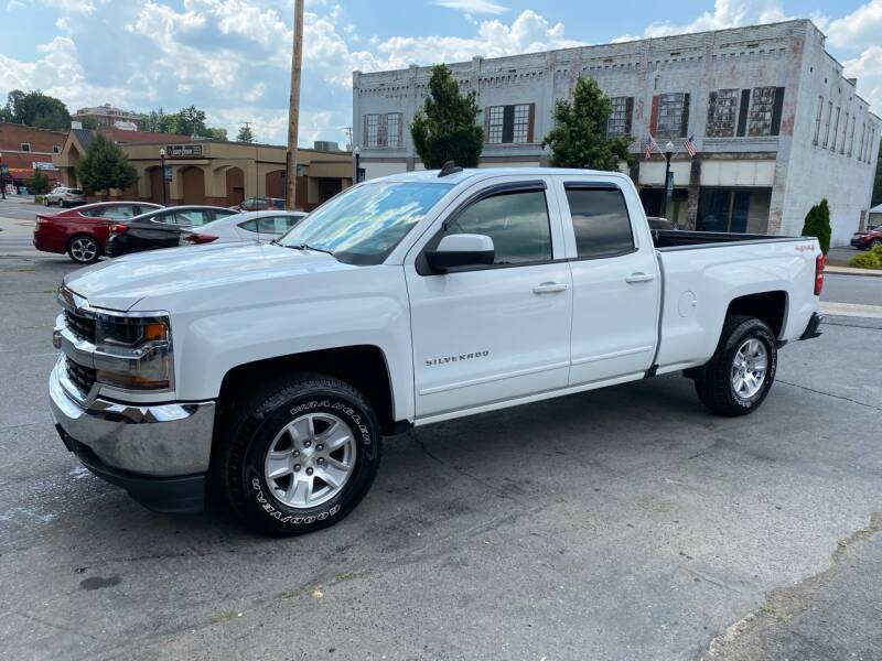 2017 Chevrolet Silverado 1500 for sale at East Main Rides in Marion VA
