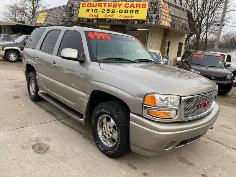 2002 GMC Yukon for sale at Courtesy Cars in Independence MO