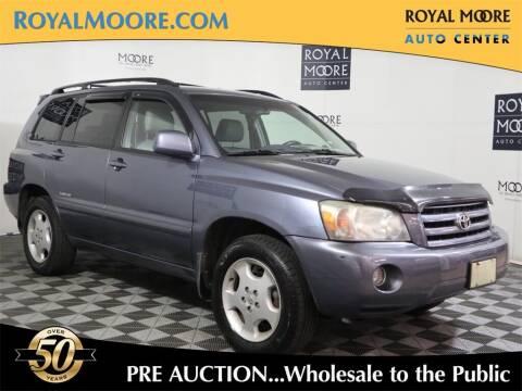 2006 Toyota Highlander for sale at Royal Moore Custom Finance in Hillsboro OR