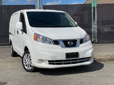 2015 Nissan NV200 for sale at Illinois Auto Sales in Paterson NJ