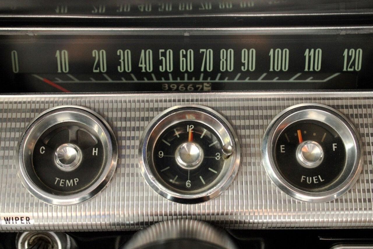 1962 Chevrolet Impala 24