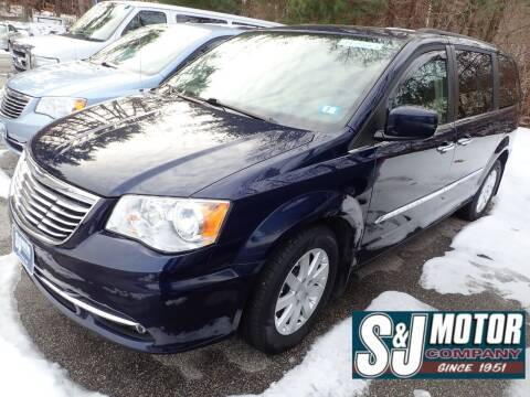 2015 Chrysler Town and Country for sale at S & J Motor Co Inc. in Merrimack NH