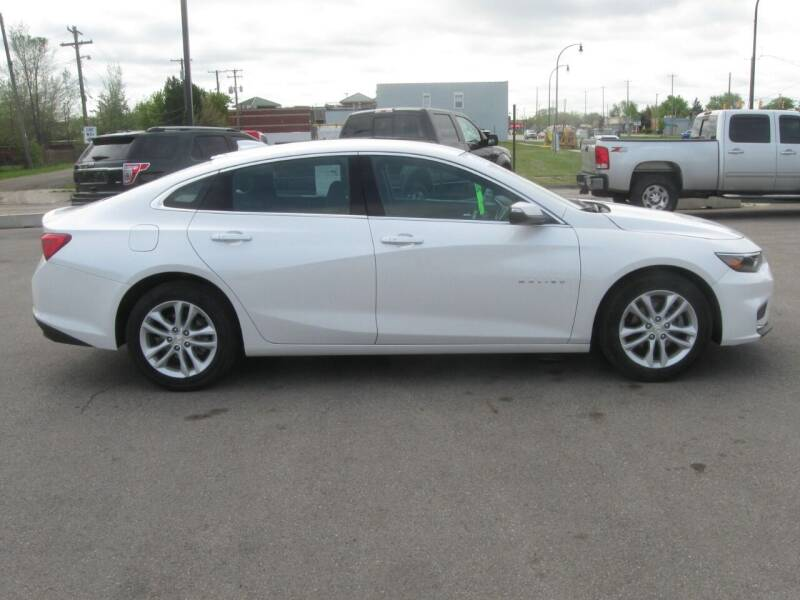 2018 Chevrolet Malibu for sale at MCQUISTON MOTORS in Wyandotte MI