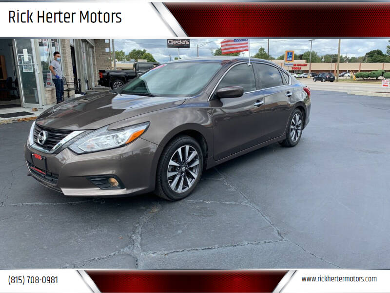 2017 Nissan Altima for sale at Rick Herter Motors in Loves Park IL