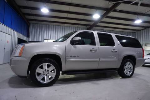 2008 GMC Yukon XL for sale at SOUTHWEST AUTO CENTER INC in Houston TX
