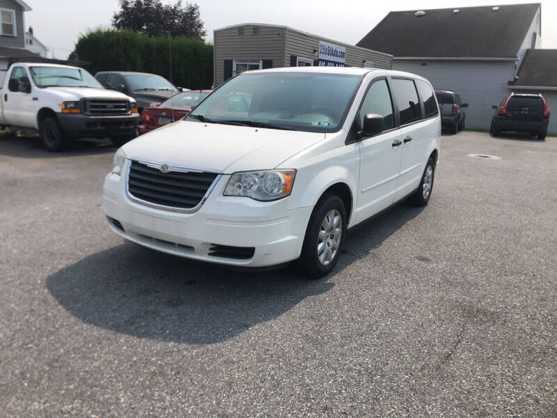 2008 Chrysler Town and Country for sale at 25TH STREET AUTO SALES in Easton PA
