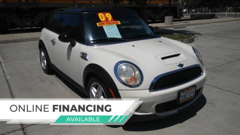 2009 MINI Cooper for sale at Super Cars Sales Inc #1 in Oakdale CA