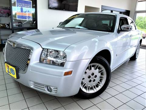 2005 Chrysler 300 for sale at SAINT CHARLES MOTORCARS in Saint Charles IL
