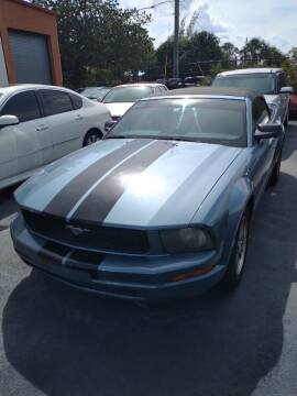 2005 Ford Mustang for sale at LAND & SEA BROKERS INC in Deerfield FL