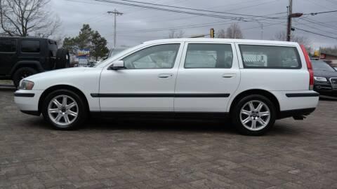 2004 Volvo V70 for sale at Cars-KC LLC in Overland Park KS