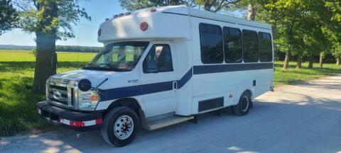 2011 Ford E-450 Shuttle Bus