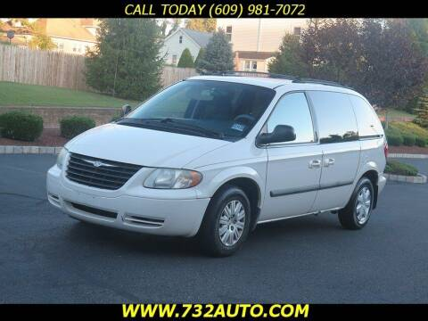 2005 Chrysler Town and Country for sale at Absolute Auto Solutions in Hamilton NJ