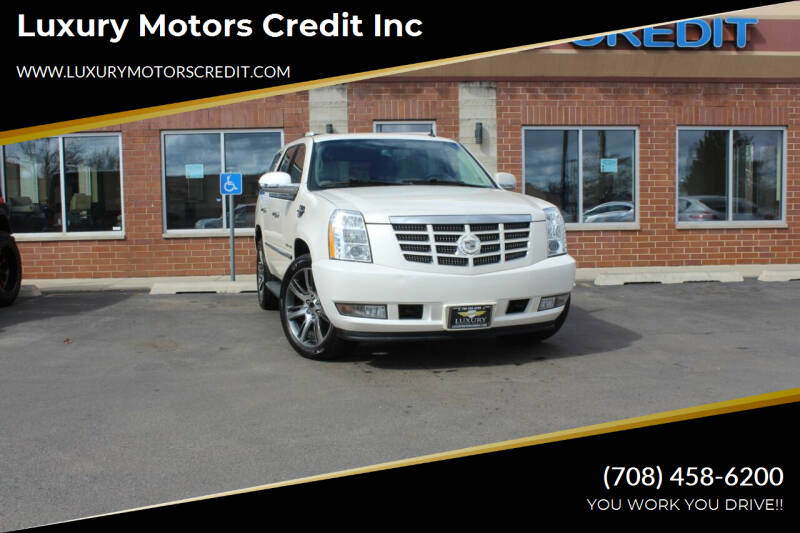 2011 Cadillac Escalade for sale at Luxury Motors Credit Inc in Bridgeview IL