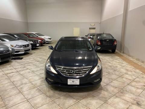 2011 Hyundai Sonata for sale at Super Bee Auto in Chantilly VA