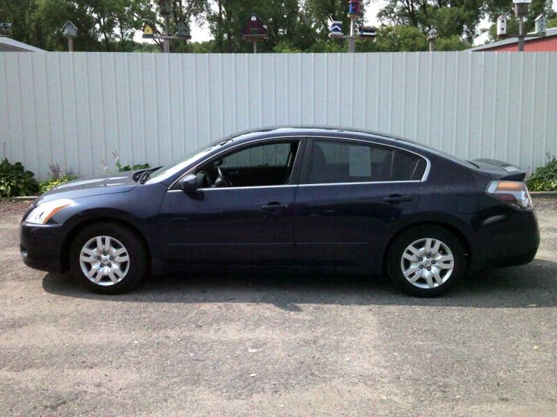 2012 Nissan Altima for sale at Chaddock Auto Sales in Rochester MN