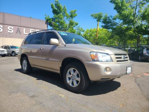 2004 Toyota Highlander for sale at Universal Auto Sales in Salem OR