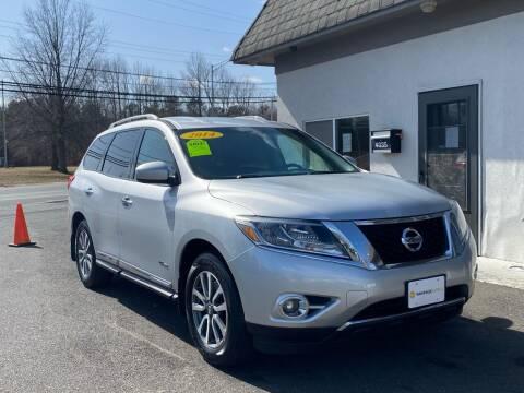 2014 Nissan Pathfinder Hybrid for sale at Vantage Auto Group in Tinton Falls NJ