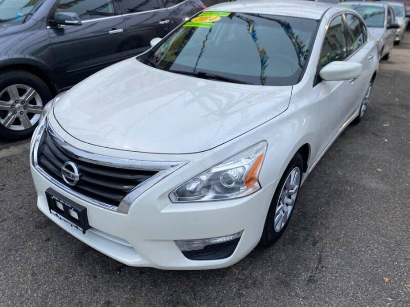 2014 Nissan Altima for sale at Middle Village Motors in Middle Village NY