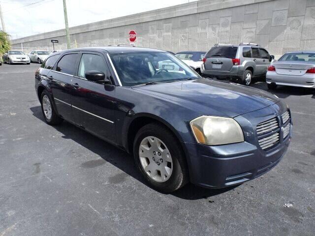 2007 Dodge Magnum for sale at DONNY MILLS AUTO SALES in Largo FL