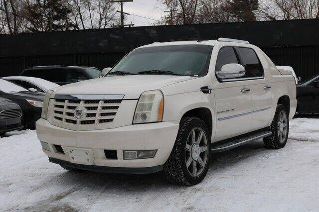 2008 Cadillac Escalade EXT for sale at F & M AUTO SALES in Detroit MI