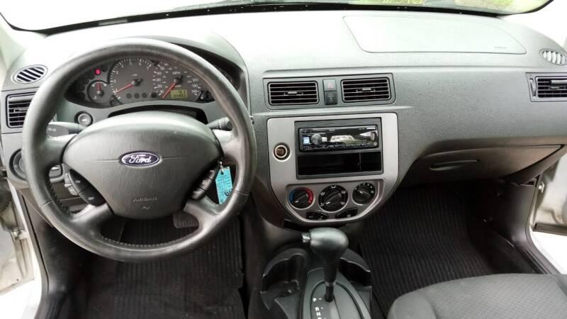 2005 Ford Focus ZX5 SE 4dr Hatchback - Tampa FL