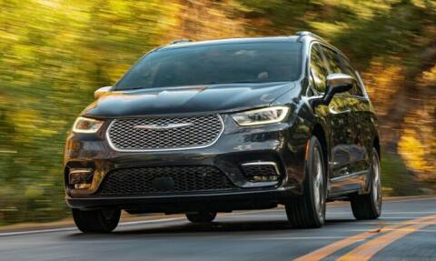 2021 Chrysler Pacifica for sale at Diamante Leasing in Brooklyn NY