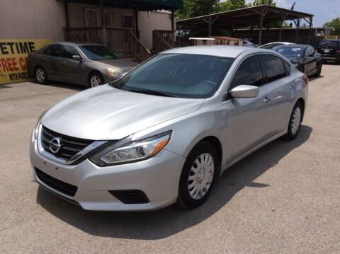 2016 Nissan Altima for sale at OASIS PARK & SELL in Spring TX