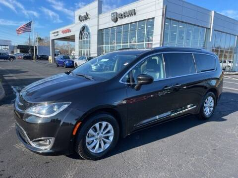 2019 Chrysler Pacifica for sale at Ron's Automotive in Manchester MD