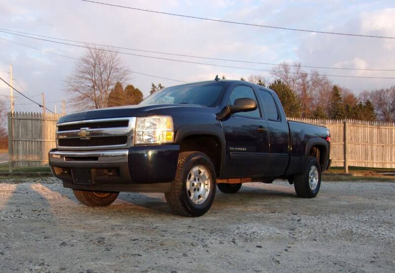 2010 Chevrolet Silverado 1500 for sale at JEFF MILLENNIUM USED CARS in Canton OH