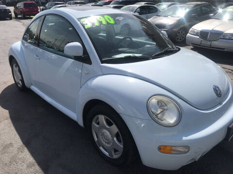2000 Volkswagen New Beetle for sale at American Dream Motors in Everett WA
