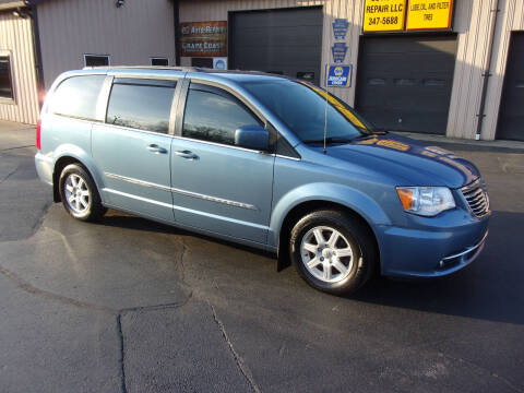 2011 Chrysler Town and Country for sale at Dave Thornton North East Motors in North East PA