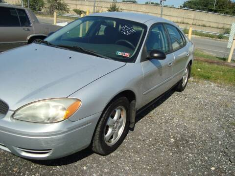 2004 Ford Taurus for sale at Branch Avenue Auto Auction in Clinton MD