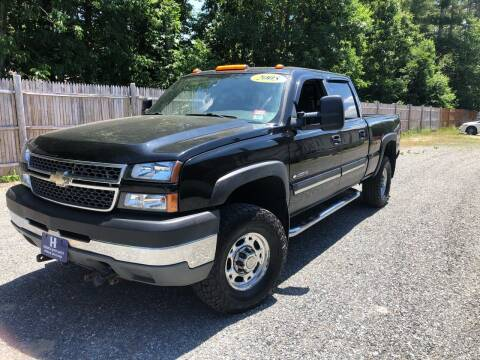 2005 Chevrolet Silverado 2500HD for sale at Hornes Auto Sales LLC in Epping NH