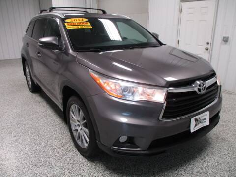 2014 Toyota Highlander for sale at LaFleur Auto Sales in North Sioux City SD